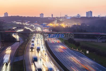 tarcza sygnal znak jazda podrozowanie miasto